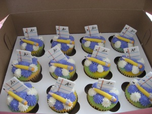 Jimbo's graduation cupcakes 021